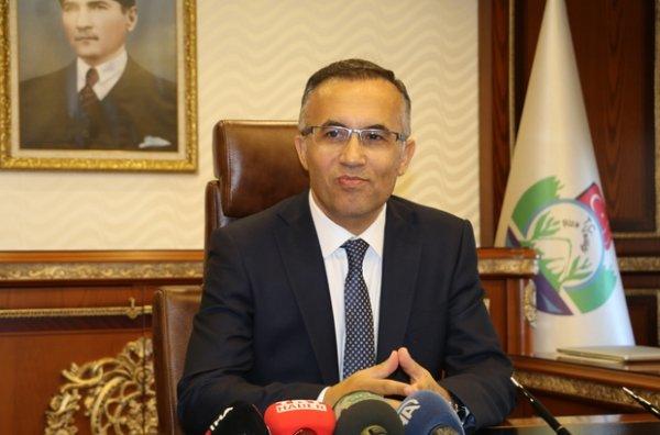 Rize Valisi kaçak yapıların durmamasına tepkili
