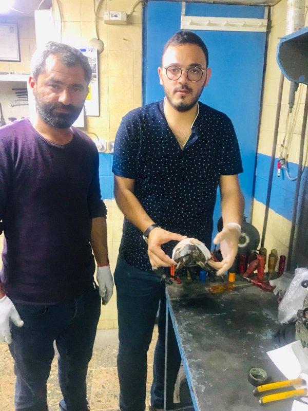 İzmir'de ezilmiş kaplumbağayı, kaportacıda yaşattılar