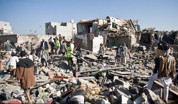 Suudi Arabistan Yemen'i bombaladı