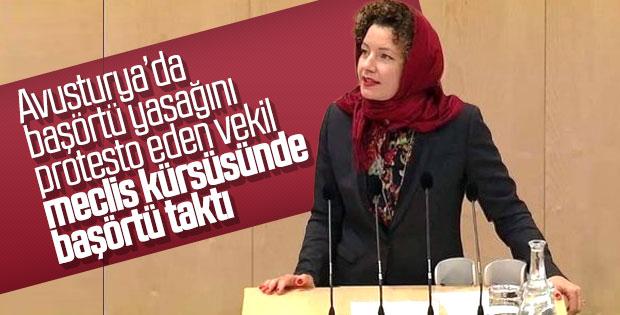 Avusturya meclisinde başörtülü protesto