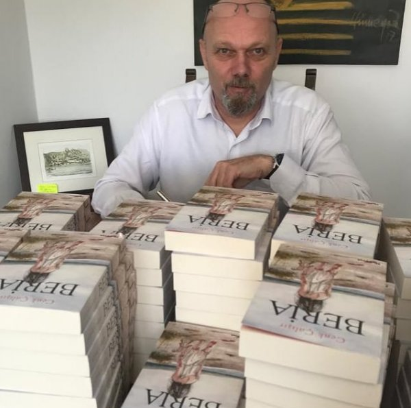 Polisiye Yazarı Cenk Çalışır, yeni romanı Beria'yı anlattı