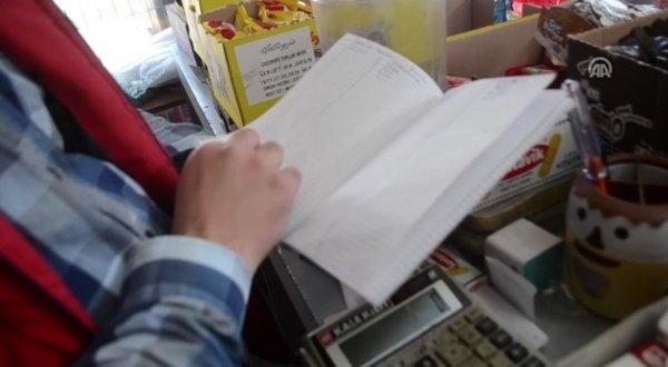 Veresiye defterini satın alarak borcu olanları sevindirdi