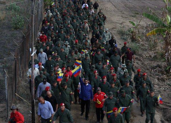 Venezuela ordusundan ABD'ye: Küçük gringo, bekliyoruz