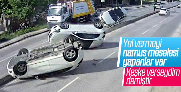 Sakarya'da kaza yapan araç karşı şeride uçtu
