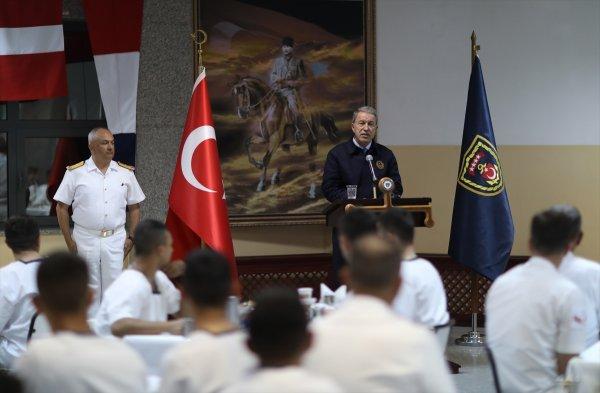 Akar'dan Ege ve Doğu Akdeniz mesajı