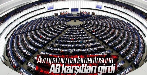 Avrupa Parlamentosu seçimlerinde aşırı sağ partiler önde