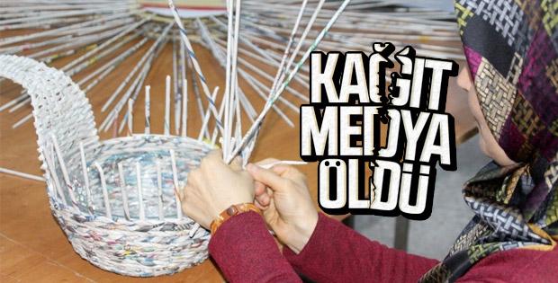 Balıkesir'de gazeteler sanat eserine dönüşüyor