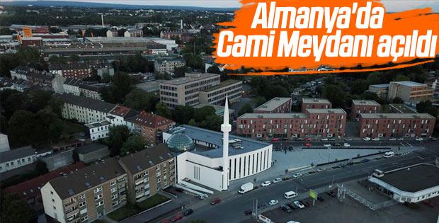 Almanya'da bir ilk: Cami Meydanı açıldı