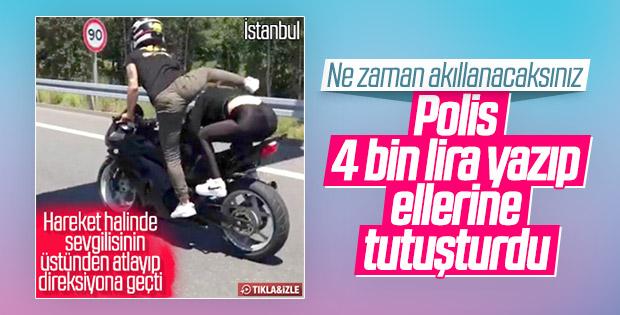 Motosiklet üzerinde şov yapanlar para cezasından kaçamadı