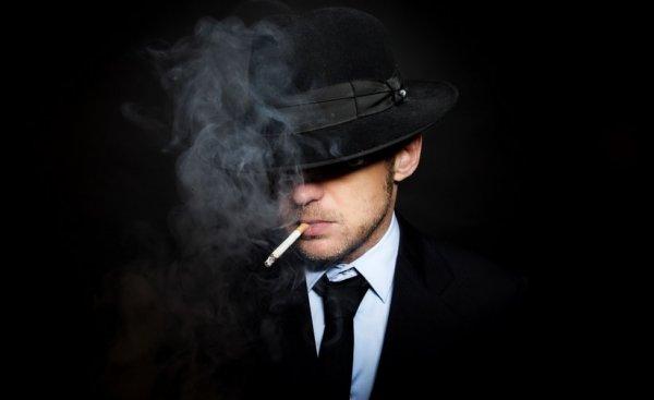 sigara içen adam resmi ile ilgili görsel sonucu