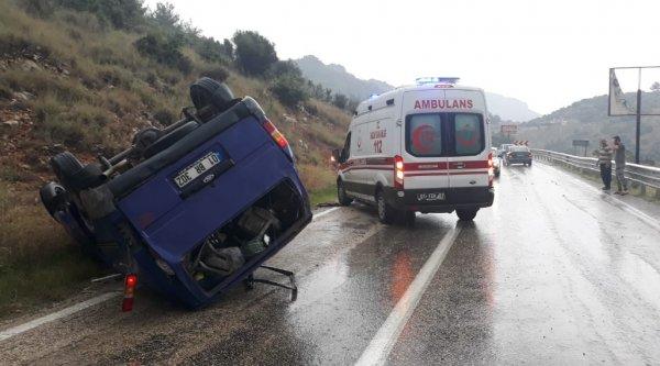 Minibüs takla attı 1 ölü 5 yaralı ile ilgili görsel sonucu