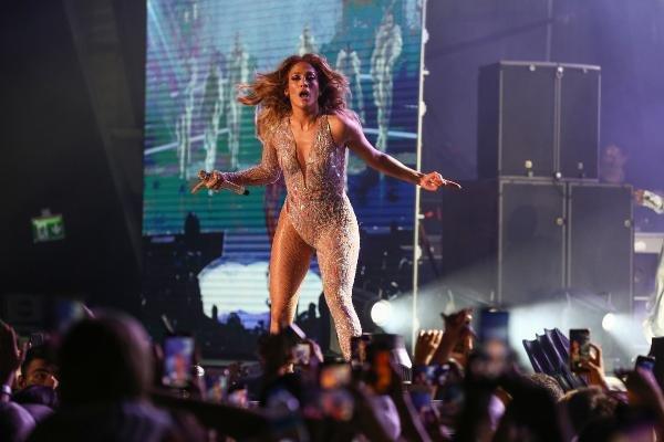Jennifer Lopez Antalya'da konser verdi