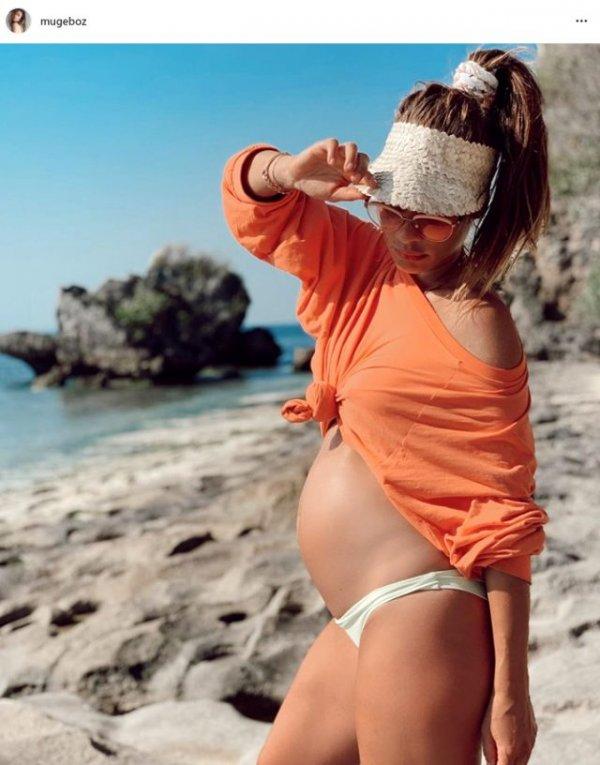Müge Boz'dan hamilelik pozu