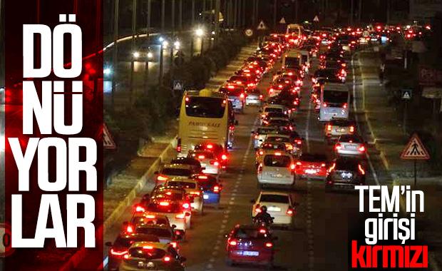 Tatil için İstanbul'dan ayrılanlar dönüyor