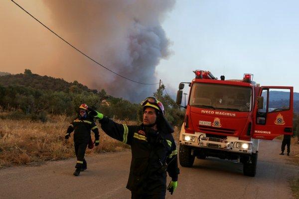 Yunanistan yangınla mücadele edemiyor