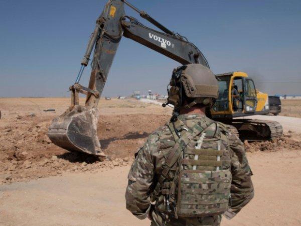 Suriye'de YPG/PKK siperleri yıkılıyor
