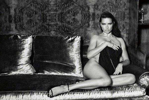 Adriana Lima çırılçıplak