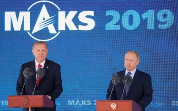 Erdoğan, Rusya'da Putin'le havacılık fuarına katıldı