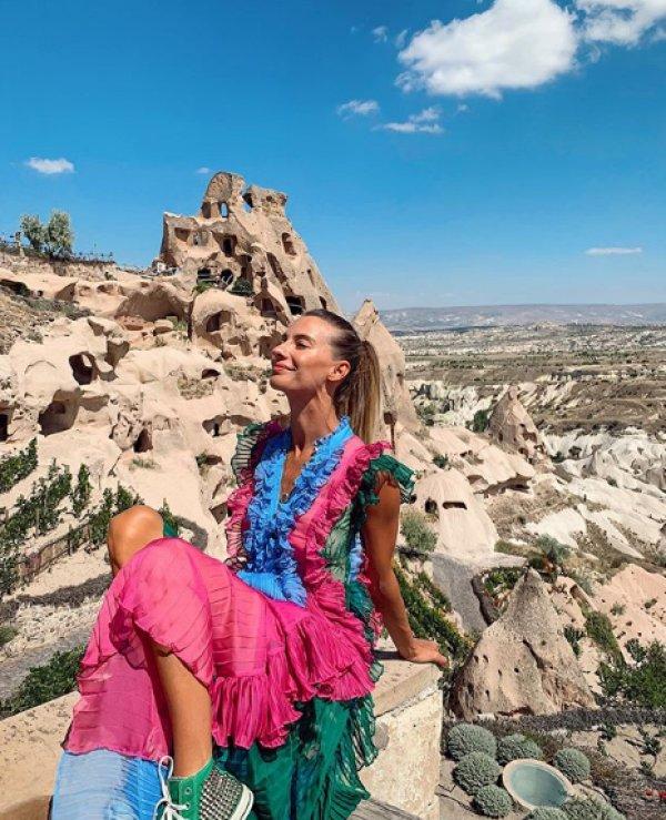 Tuba Ünsal ve Demet Akalın'ın elbise polemiği