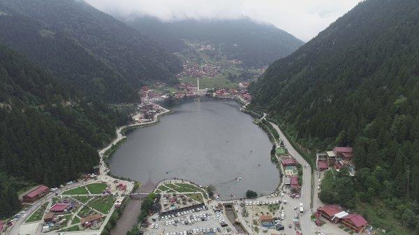 Turizm merkezi Uzungöl'de kaçak yapılara geçit yok