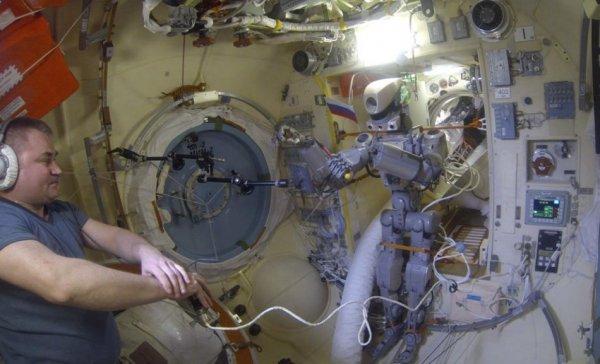 Uzaya gönderilen robot Fedor geri döndü
