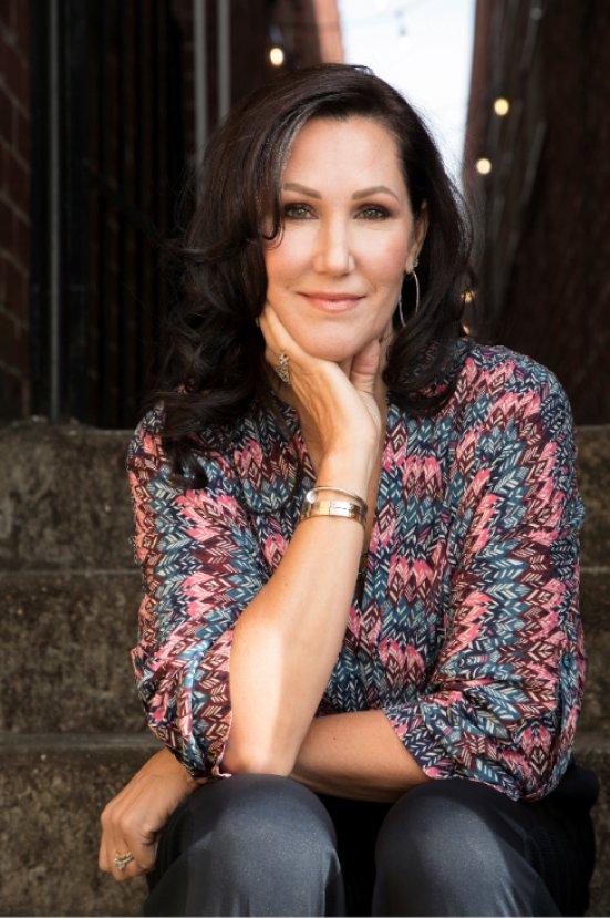 Kimberly Belle ile romanı Yanlış Rota'yı konuştuk