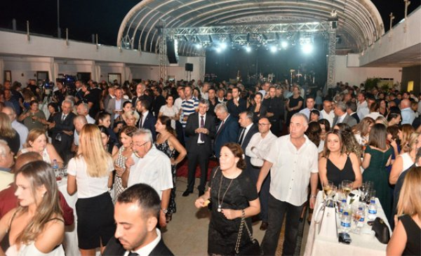 Hadise'nin KKTC'deki konseri olay oldu