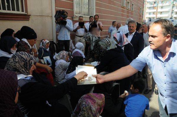 Diyarbakır'daki ailelerin oturma eylemi 11'inci gününde