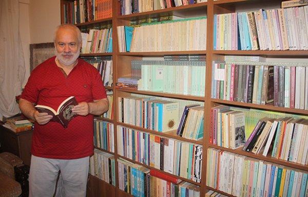 İsmet Özel hakkında yazılmış kitaplar. İsmet Özel 75 yaşında.