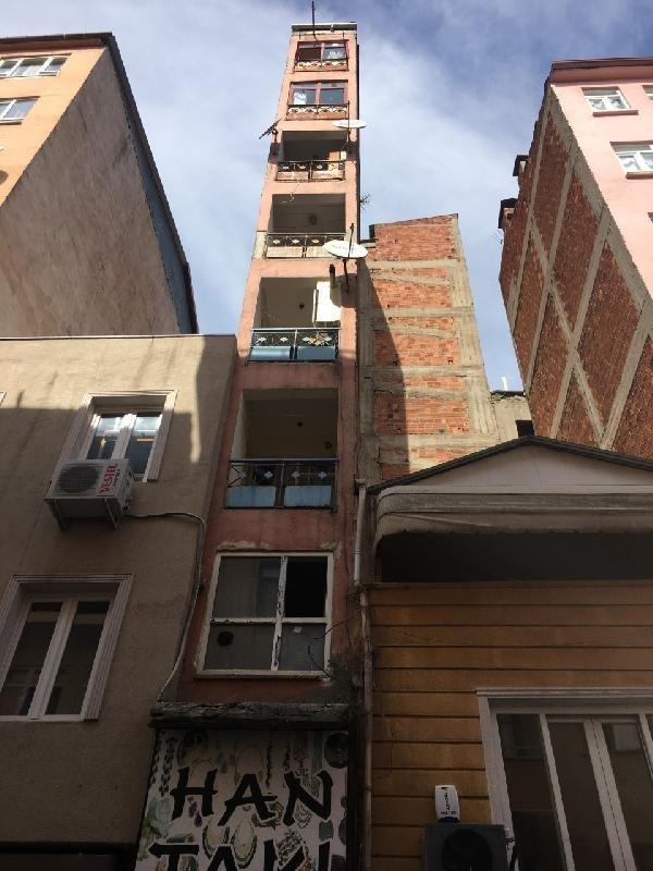 İzmit'te mimarisi ile şaşırtan bina
