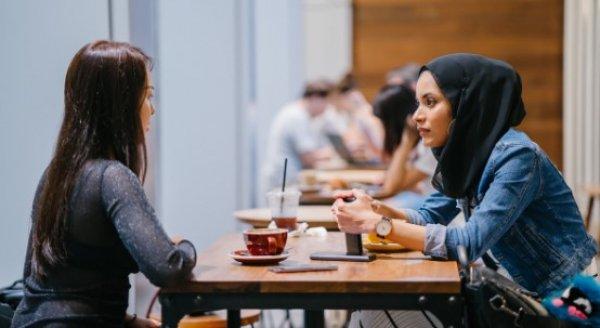 Kadınların 'çok konuşması' sağlıklarına faydalı