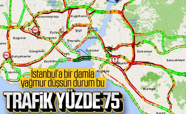 İstanbul'da yağmur trafiği kilitledi