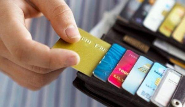 Haberi olmadan gelen kredi kartı başını yaktı