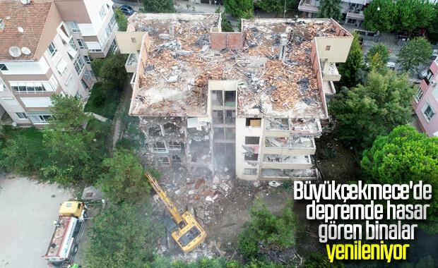 Büyükçekmece'deki riskli binalar yıkılıyor