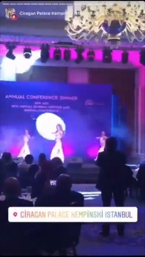 TMSF'nin etkinliğinde sahneye dansöz çıktı