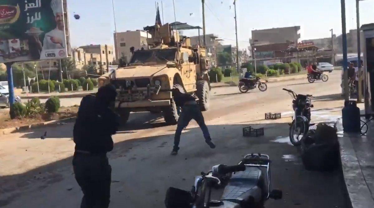 Kamışlı'da YPG'liler Amerikan askerlerini taşladı