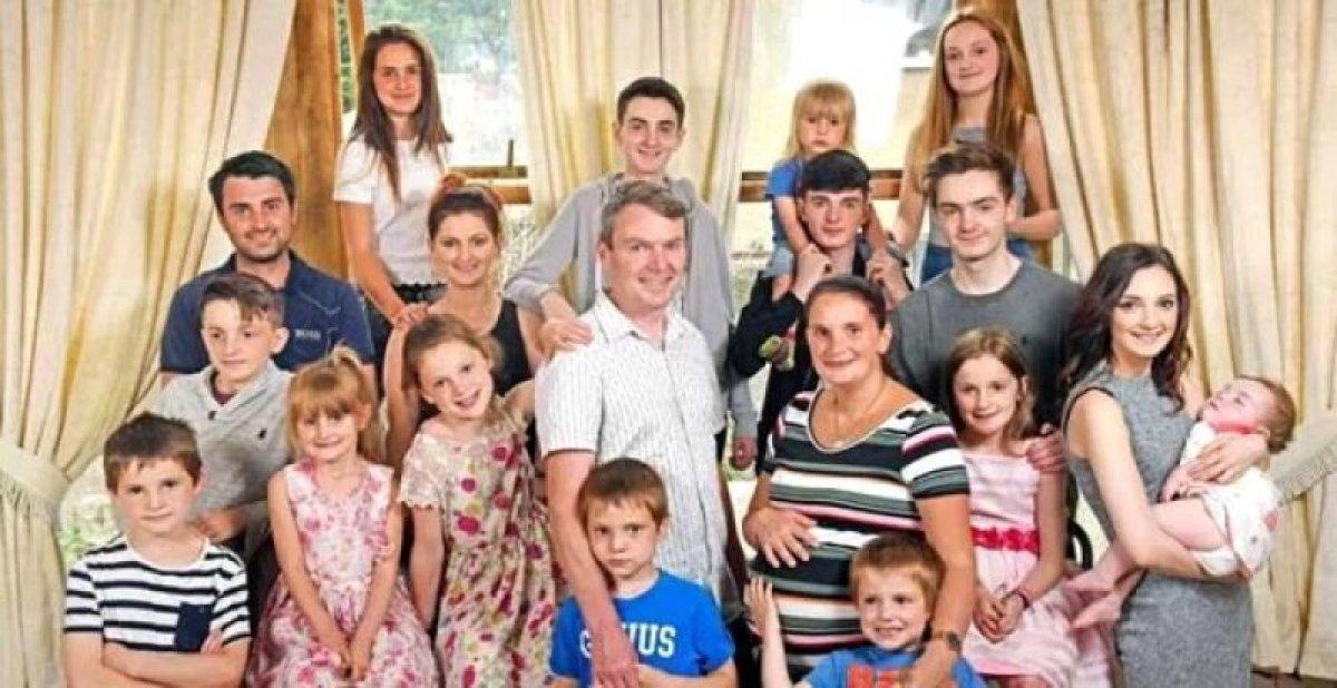 İngiltere'de yaşayan çift 22'nci çocuğunu bekliyor