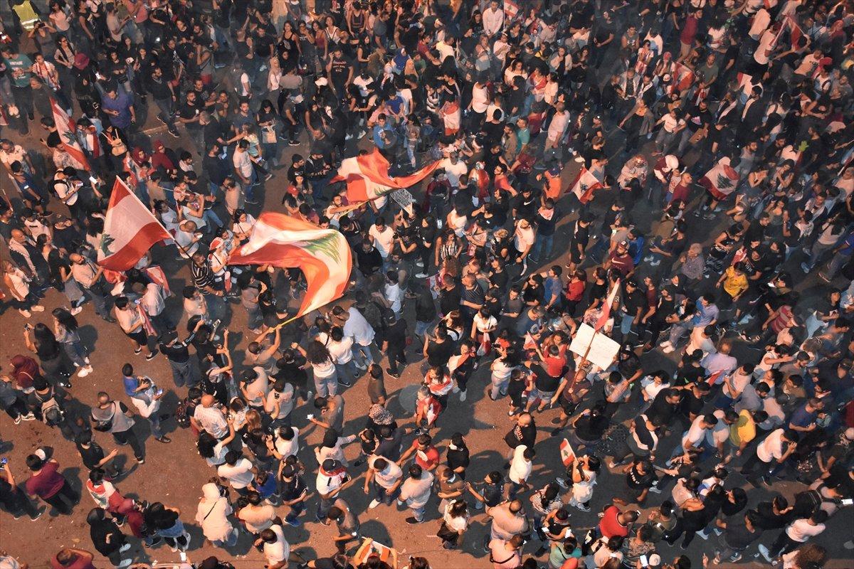 Lübnan halkı sokaklarda protestolara devam ediyor