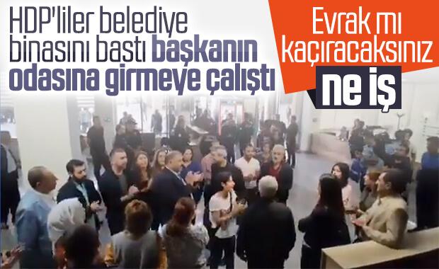 HDP'liler belediyeyi bastı, polis müdahale etti