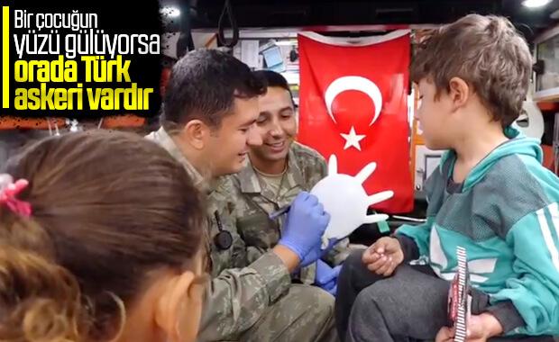 TSK, mobil klinikle Tel Abyad halkının yaralarını sarıyor