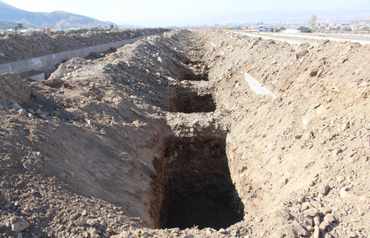 Erzurum'da kış için 800 mezar kazıldı