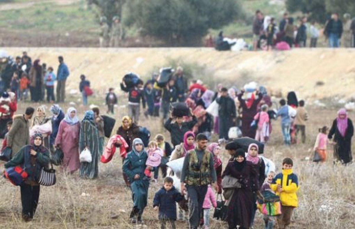 Lübnan'daki Suriyeliler geri dönüş için yola çıktı