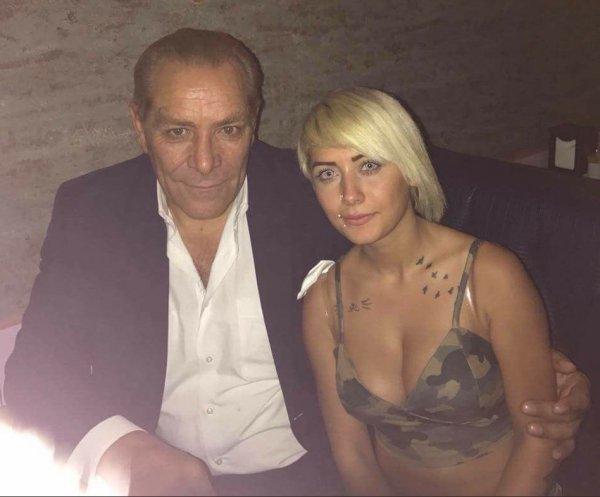 Atatürk'e benzeyen adam kendini 'Paşa' yaptı