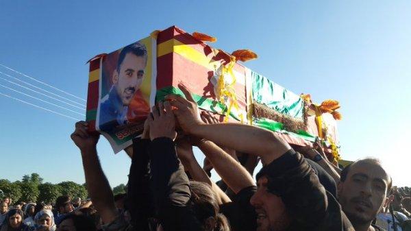Türk zırhlı aracına saldıran YPG'li ezildi