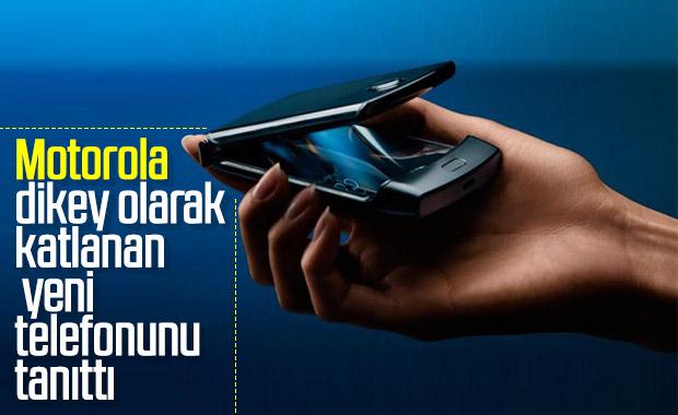 Motorola'nın katlanabilir telefonu Razr tanıtıldı