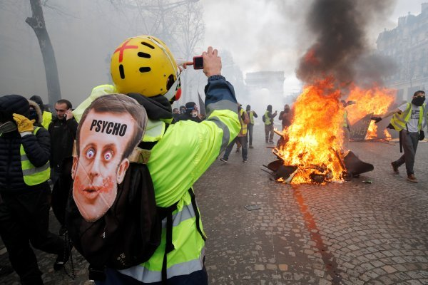 Fransa'da Sarı Yelekliler eylemleri 1. yılında