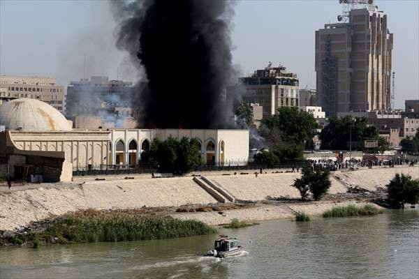 Irak'ta depolar ateşe veriliyor