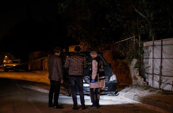 Gaziosmanpaşa'da bir minibüse EYP ile saldırı düzenlendi