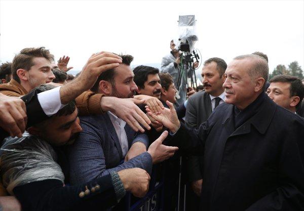 Cumhurbaşkanı Erdoğan cami açılışında konuştu