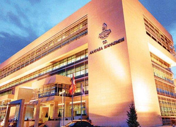 AYM'den memur adaylarına güvenlik soruşturmasına iptal